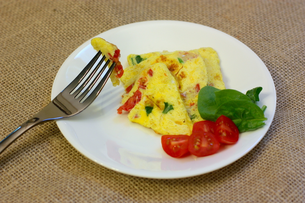 Tomato And Spinach Fluffy Omelet